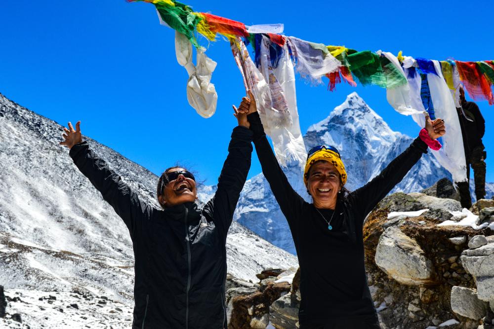 Personas celebrando - Monte Everest