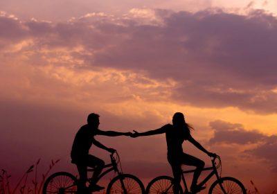 asistencia al viajero personas en bicicleta